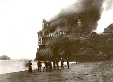 Cliff House On Fire1907